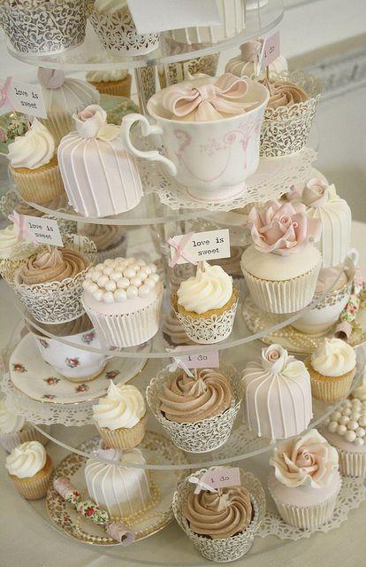 Cupcake Decorating Ideas For High Tea : Cupcakes aneb svatebni mini dortiky jsou trendy - Magazin ...