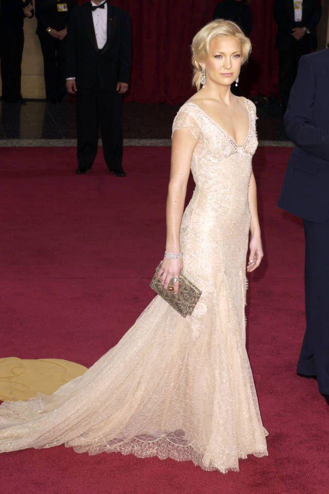 Kate Hudson a její oslnivé bílé róby