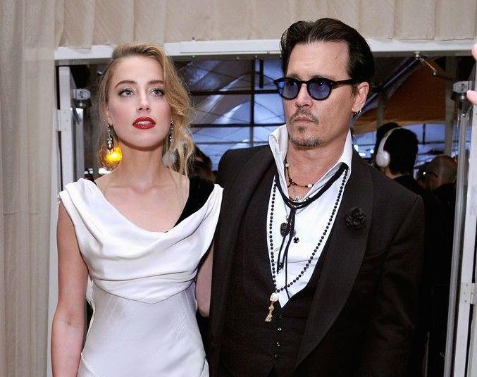 ...Johnny Depp a Amber Heard se nečekaně vzali?