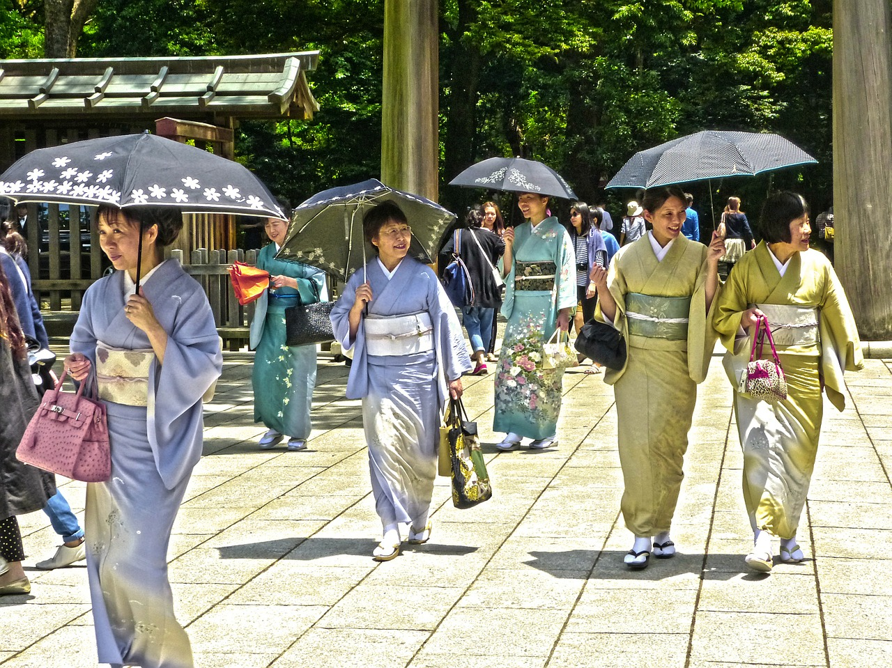 ...mnoho sňatků v Japonsku zprostředkovává profesionální dohazovač?