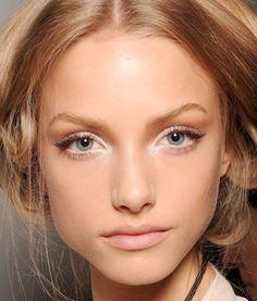 Nude make up aneb přirozená krása