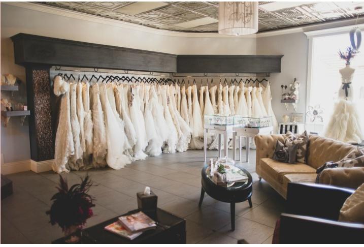 Zkouška svatebních šatů: Co všechno je dobré vědět?