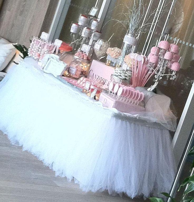 Tylová sukně pro váš rautový stůl