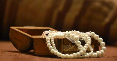 Jak vybrat dokonalý svatební šperk?