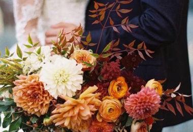 Svatba, která hraje všemi barvami