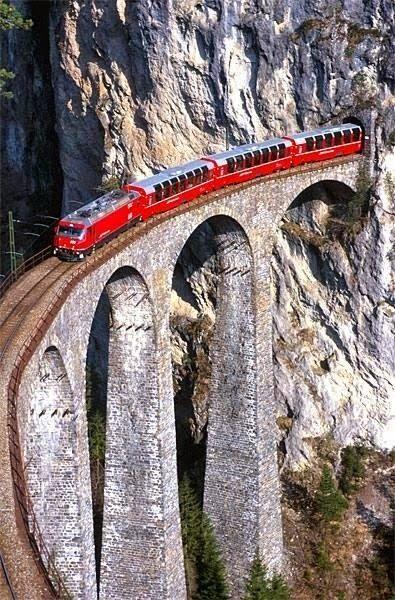 Netradiční líbánky aneb romantika ve vlaku