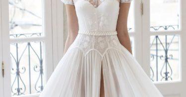Košilové šaty pro sofistikovanou nevěstu
