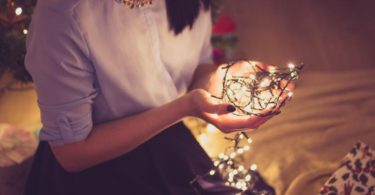 Vánoční tradice pro svobodné slečny aneb jak zjistit termín svatby?