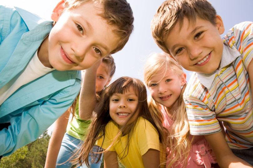 Jak dostat děti ven? Pomocí zahradní houpačky!